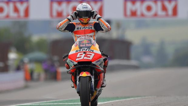 Motorcycling - MotoGP - German Grand Prix - Sachsenring, Hohenstein-Ernstthal, Germany - June 20, 2021 Repsol Honda's Marc Marquez celebrates after winning the race REUTERS/Matthias Rietschel