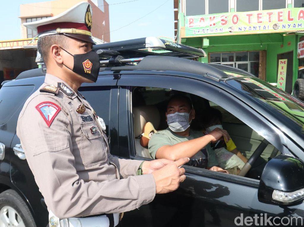 50 Pengendara Jalani Rapid Antigen di Exit Tol Cileunyi Bandung, 3 Reaktif