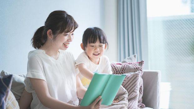 Anak beajar membaca