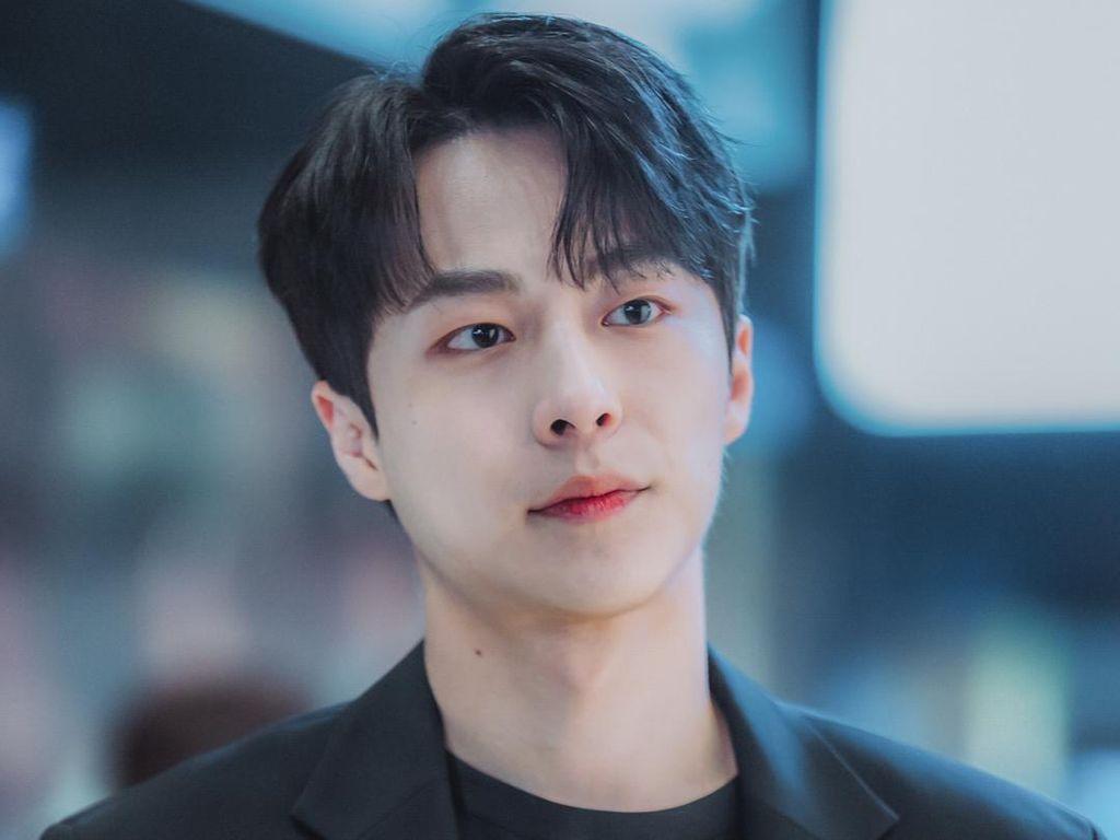 8 Potret Bae In Hyuk, Second Lead My Roommate is a Gumiho yang Bikin Salfok