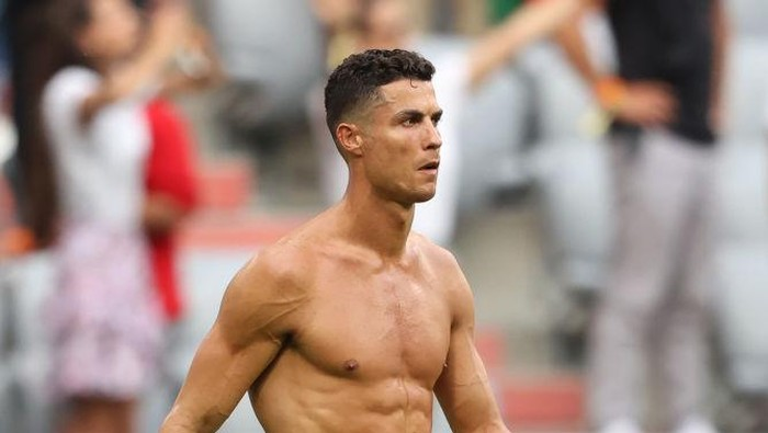 MUNICH, GERMANY - JUNE 19: Cristiano Ronaldo of Portugal looks dejected following defeat in the UEFA Euro 2020 Championship Group F match between Portugal and Germany at Football Arena Munich on June 19, 2021 in Munich, Germany. (Photo by Alexander Hassenstein/Getty Images)