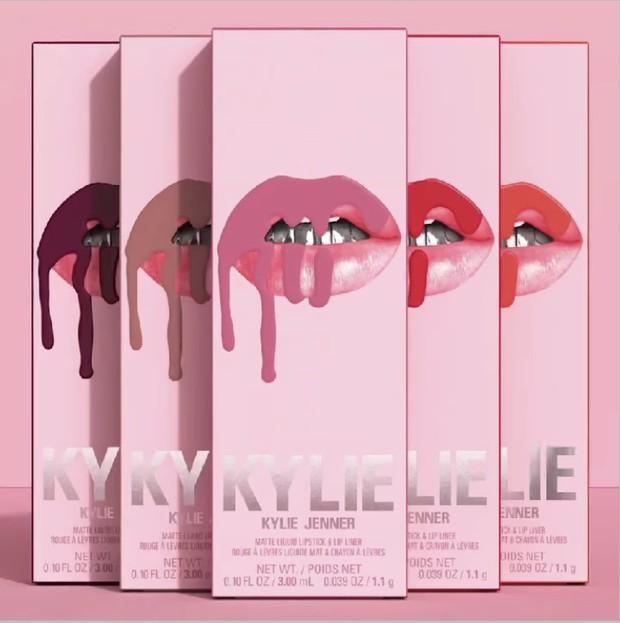 Packaging terbaru Kylie Lip Kit.