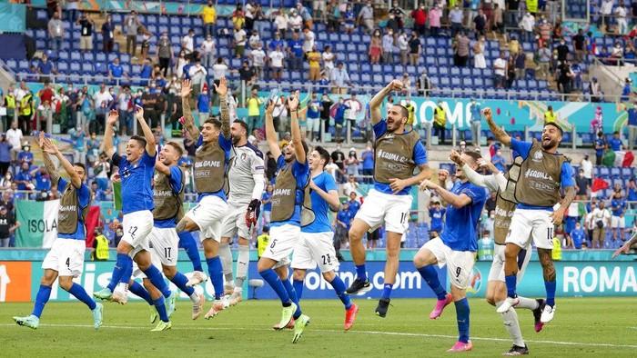 Timnas Italia berhasil mengalahkan Wales 1-0 di laga terakhir Grup A Euro 2020. Dengan hasil ini, Italia mengukuhkan status sebagai juara Grup A.