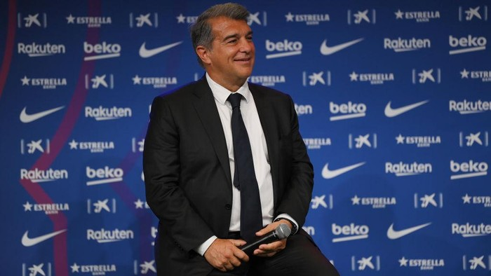 BARCELONA, SPAIN - MAY 31: Joan Laporta, President of FC Barcelona speaks as Sergio Aguero is presented as a Barcelona player at the Camp Nou Stadium on May 31, 2021 in Barcelona, Spain. (Photo by David Ramos/Getty Images)