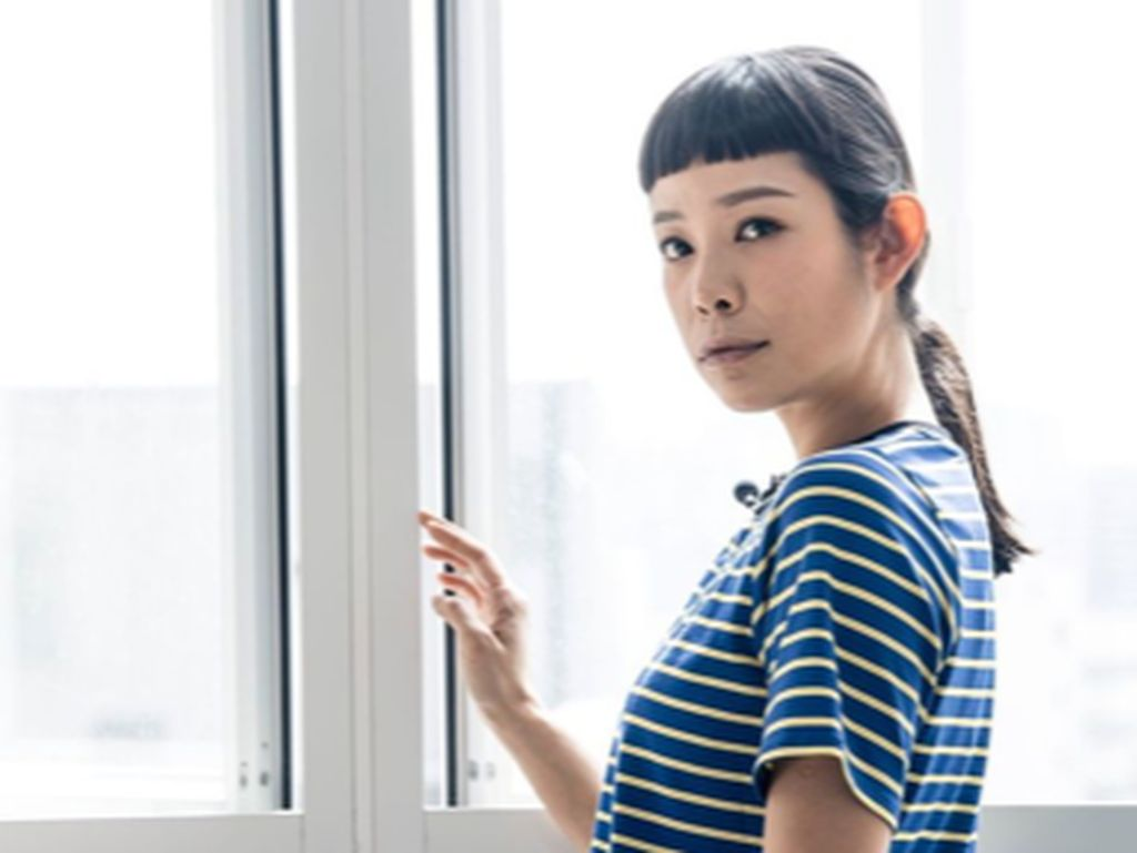 Aktris Hong Kong Ini Banting Stir Jadi Petugas Keamanan karena Pandemi