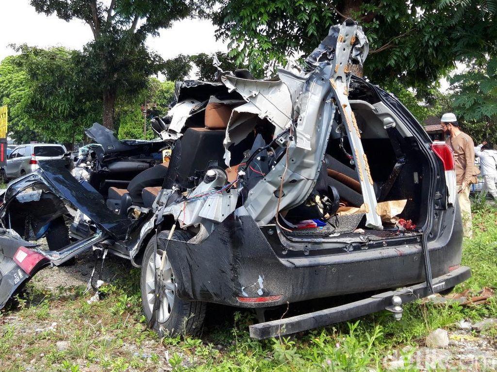 4 Truk-Mobil Kecelakaan Beruntun di Tol Boyolali, 2 Orang Tewas