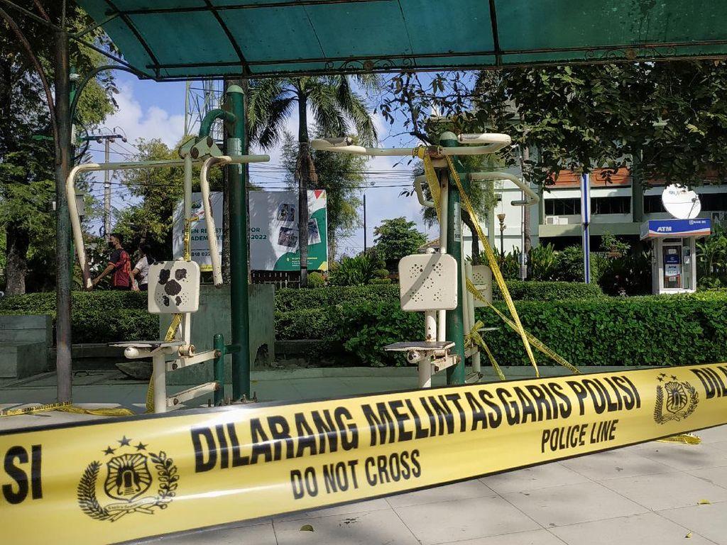 Kasus COVID-19 Melonjak, Lapangan Puputan Badung Denpasar Digaris Polisi