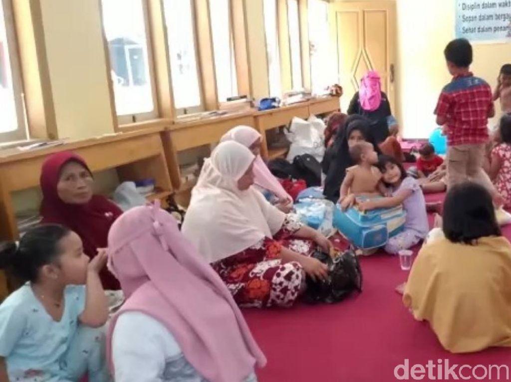 Jumlah Pengungsi Positif Corona Jadi 76, Bupati Cianjur: 1 Kampung Lockdown