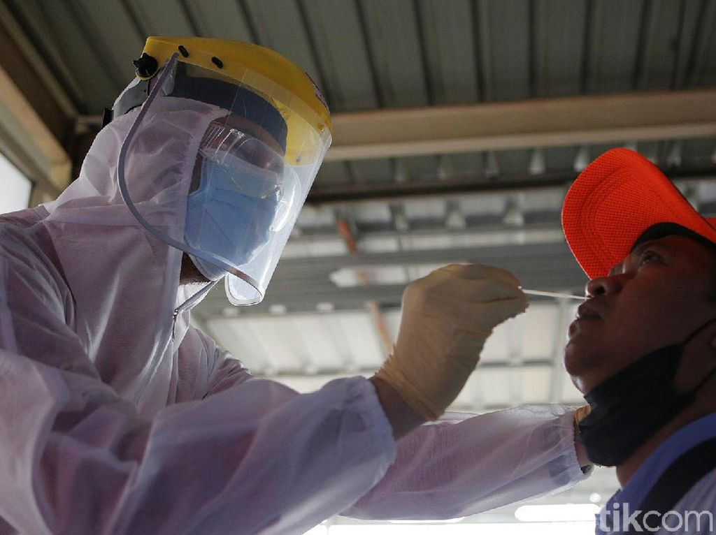 Tes Antigen Acak di Stasiun Bekasi, Satu Calon Penumpang Reaktif