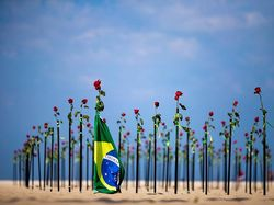 Brasil Catat Rekor 115.000 Kasus Corona Sehari, Eks Presiden Filipina Wafat