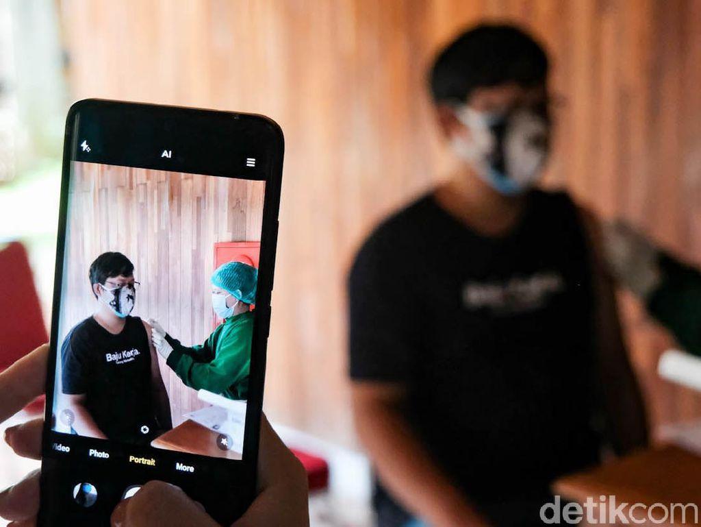 Diperintah Jokowi, DKI Jakarta Geber Vaksinasi COVID-19