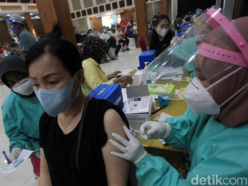 Menkes Yakin Target Vaksinasi 1 Juta Orang Per Hari Tercapai Awal Juli