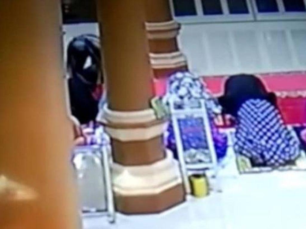 Pria Lecehkan Jemaah Wanita Saat Salat di Masjid Wajo