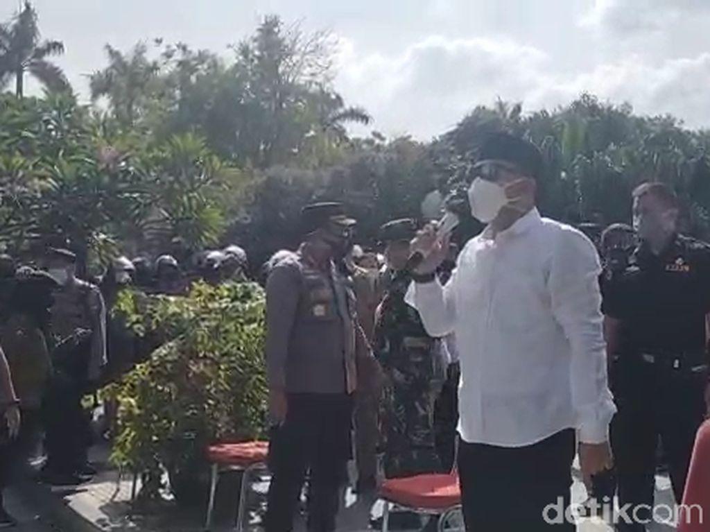 Temui Pendemo Warga Madura, Wali Kota Eri Sedih Dibilang Diskriminasi