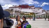 Wisata Tibet Diserbu Turis China