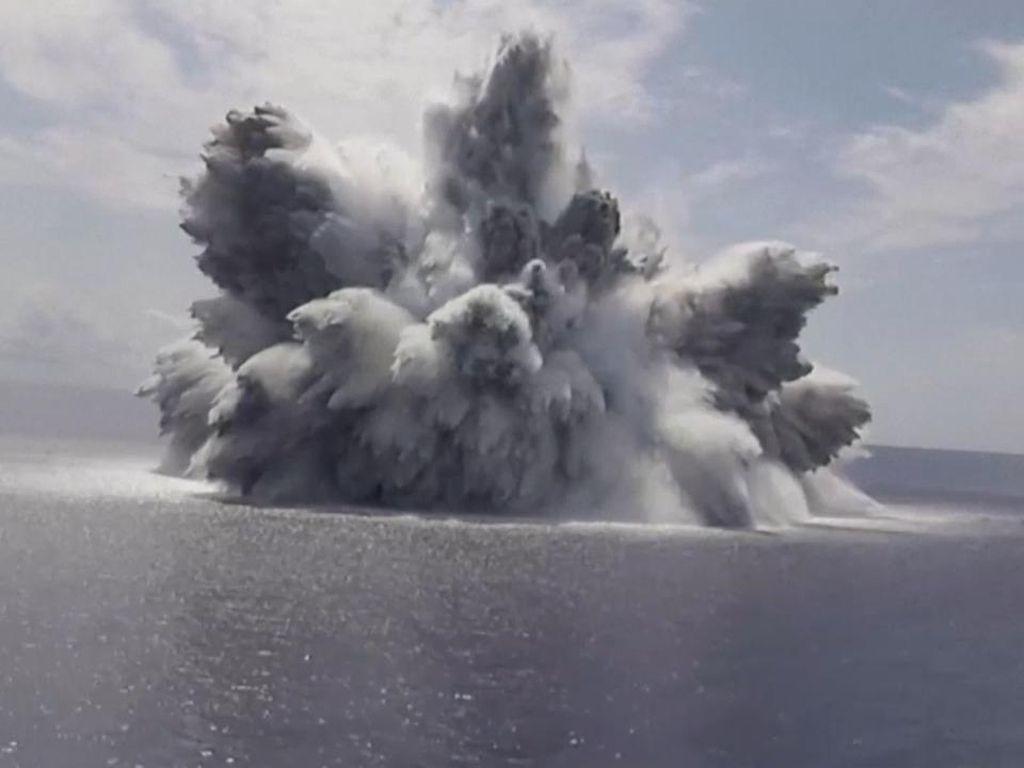 AS Uji Kekuatan Kapal Induk, Bikin Ledakan Mengerikan di Atlantik