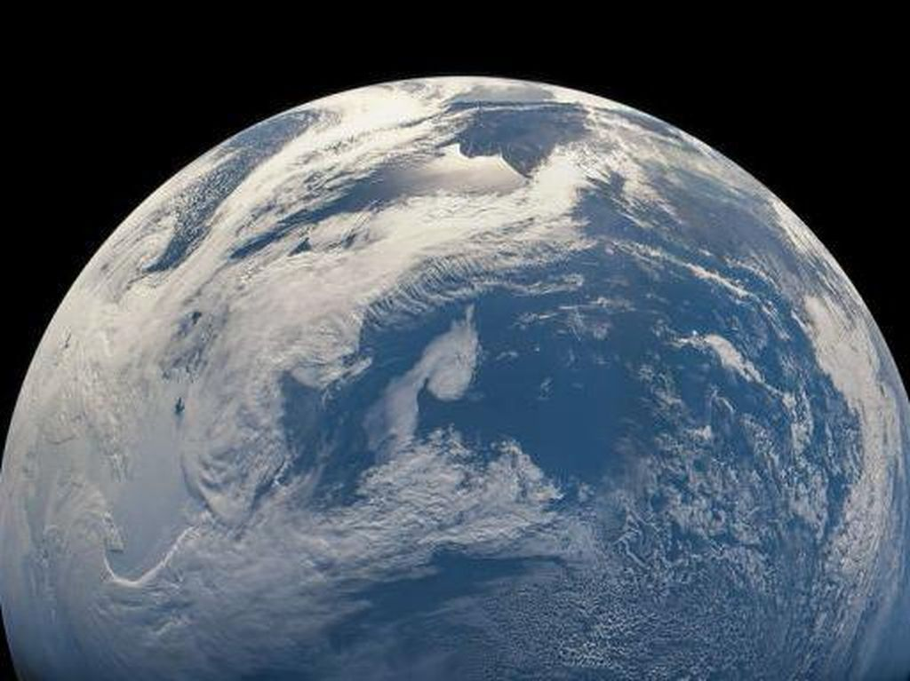 Foto Menakjubkan Planet Bumi Jepretan Pesawat Juno