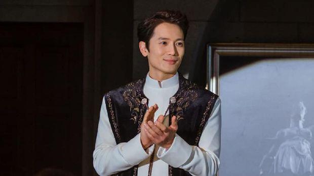 Ji Sung dalam The Devil Judge