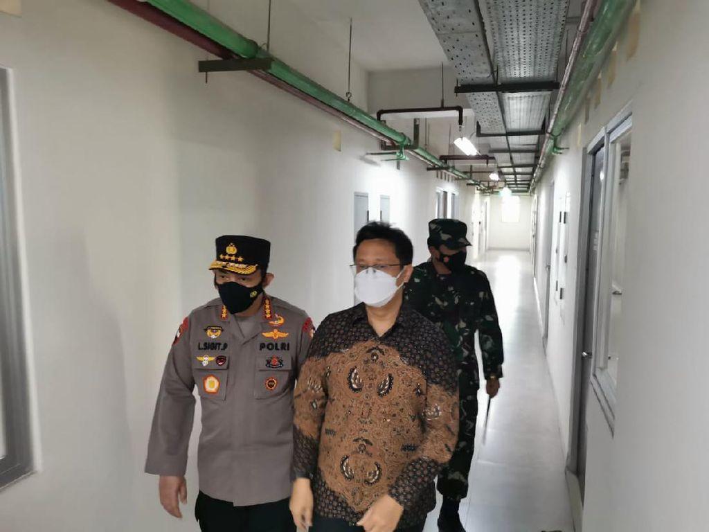 Panglima TNI-Kapolri-Menkes Cek Tempat Isolasi COVID Rusun Nagrak Jakut