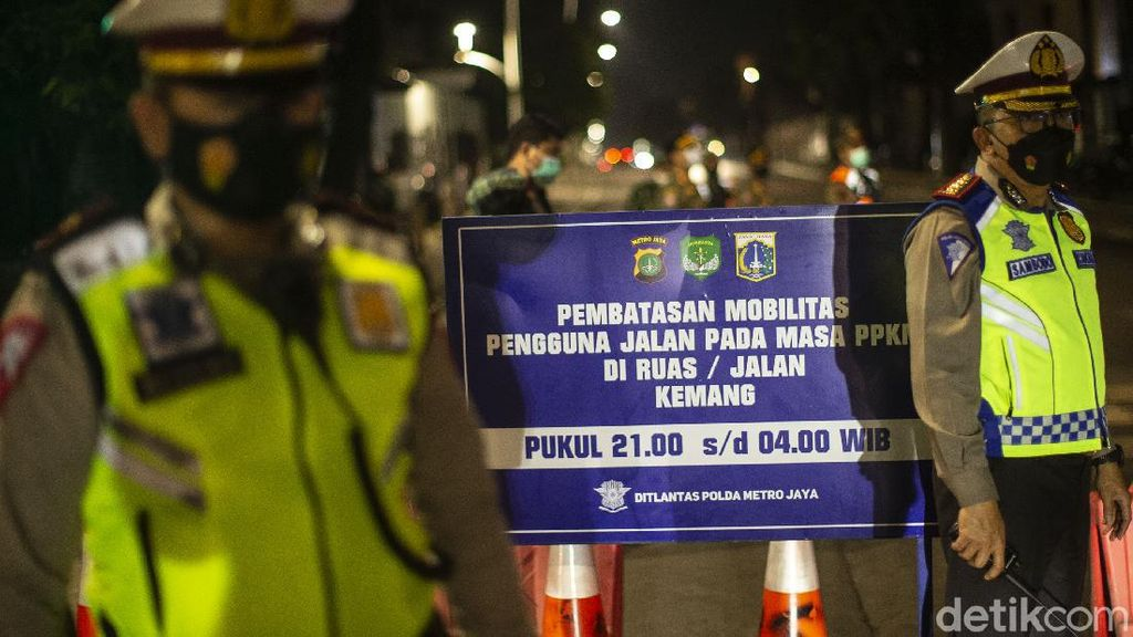 Potret Pembatasan Mobilitas di Ibu Kota Jakarta