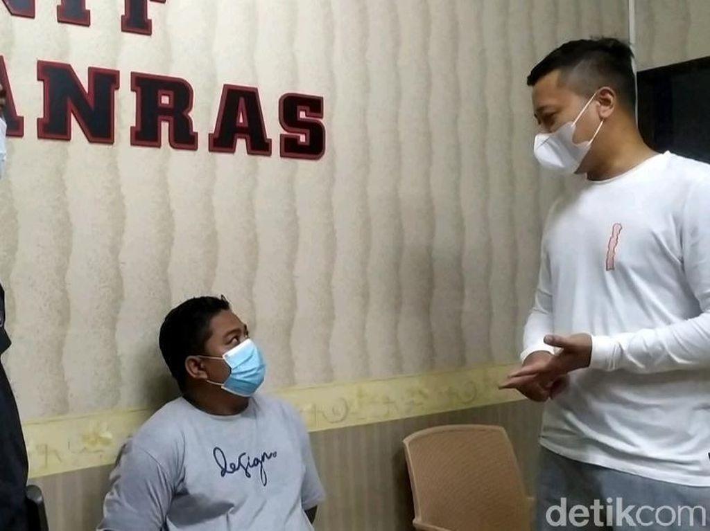 Pria Garut Ini Bacok Teman Gegara Ibunya Diacungi Golok
