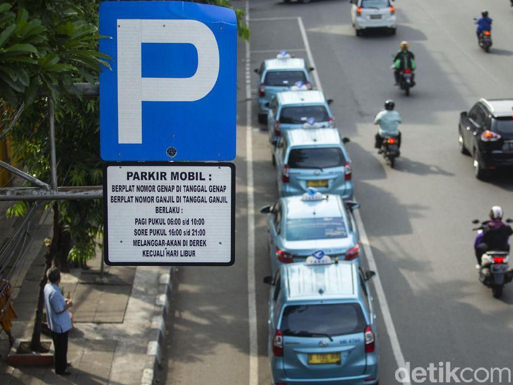 Tarif Parkir Mau Naik, Mending Pakai Angkutan Umum Atau Sepeda?