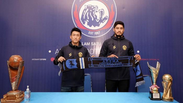 Dua pemain asing baru Arema FC, Renshi Yamaguchi dan Adilson Maringa.
