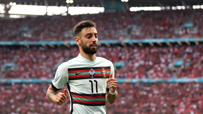 BUDAPEST, HUNGARY - JUNE 15: Bruno Fernandes of Portugal looks on during the UEFA Euro 2020 Championship Group F match between Hungary and Portugal at Puskas Arena on June 15, 2021 in Budapest, Hungary. (Photo by Alex Pantling/Getty Images)