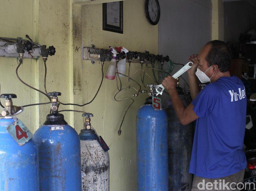 Tenang! Pasokan Tabung Oksigen di Pasar Pramuka Aman-Harga Tetap