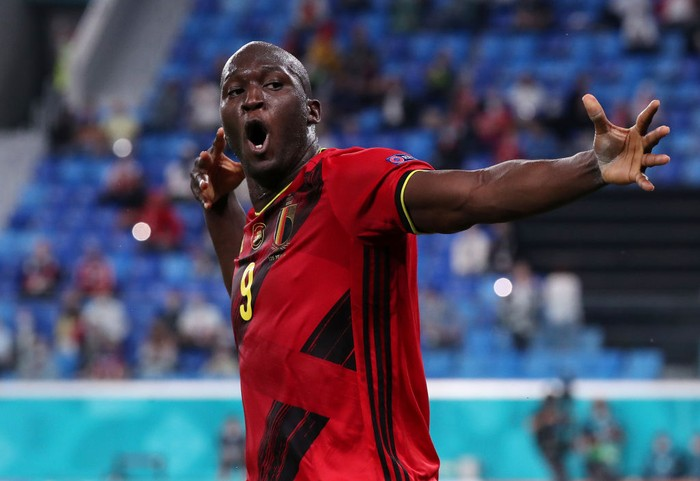 SAINT PETERSBURG, RUSSIA - JUNE 12: Romelu Lukaku of Belgium celebrates after scoring their sides third goal during the UEFA Euro 2020 Championship Group B match between Belgium and Russia on June 12, 2021 in Saint Petersburg, Russia. (Photo by Evgenia Novozhenina - Pool/Getty Images)