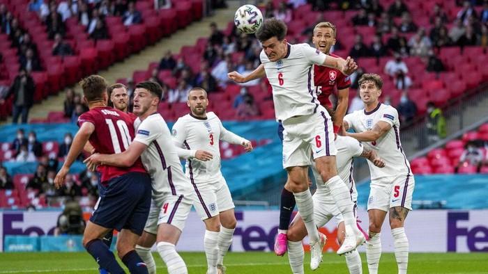 Timnas Inggris meraih kemenangan 1-0 di partai penutup fase grup Euro 2020 kontra Republik Ceko. Hasil yang mengantarkan The Three Lions jadi juara Grup D.