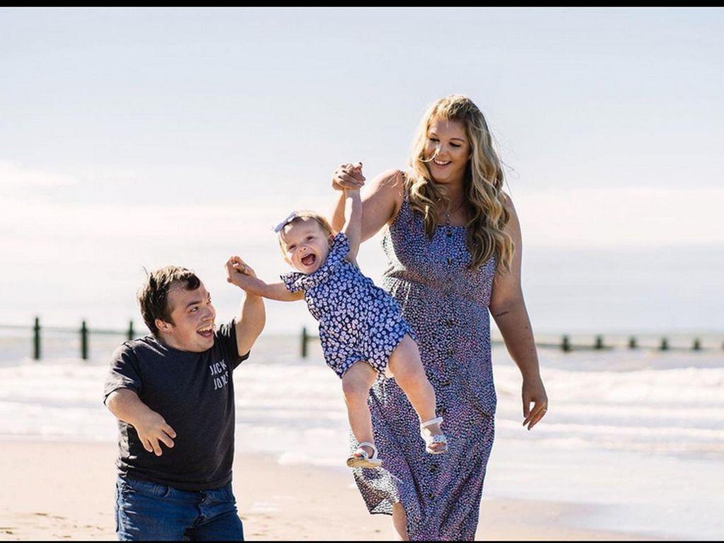 Pasangan Beda Tinggi Badan Ini Pecahkan Rekor Dunia, Tinggi Suami Hanya 109 Cm