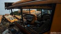Melihat dari Dekat Kuburan Bus TransJakarta Warisan Ahok