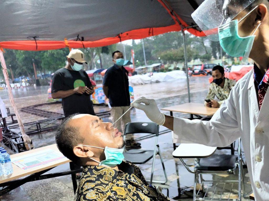 Satgas COVID-19 Kebumen Gelar Rapid Antigen Dadakan di Alun-alun