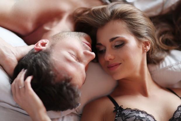 Seks di pagi hari dapat meningkatkan mood untuk hari yang lebih menyenangkan.