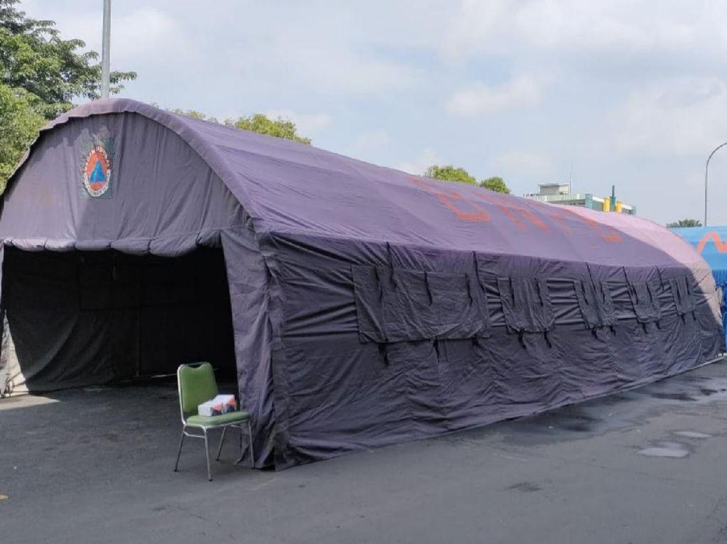RS dr Moewardi Solo Pasang Tenda untuk Antrean Pasien Corona