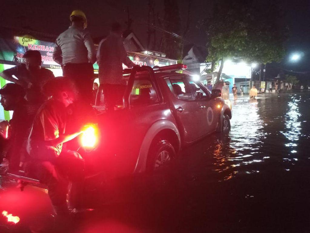 Air Sungai Meluap Genangi Puluhan Rumah Tiga Dusun di Blitar