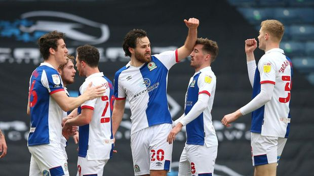 BLACKBURN, ENGLAND - FEBRUARY 27:  Ben Brereton of Blackburn Rovers celebrates with Jarrad Branthwaite after scoring the opening goal during the Sky Bet Championship match between Blackburn Rovers and Coventry City at Ewood Park on February 27, 2021 in Blackburn, England. Sporting stadiums around the UK remain under strict restrictions due to the Coronavirus Pandemic as Government social distancing laws prohibit fans inside venues resulting in games being played behind closed doors. (Photo by Alex Livesey/Getty Images)