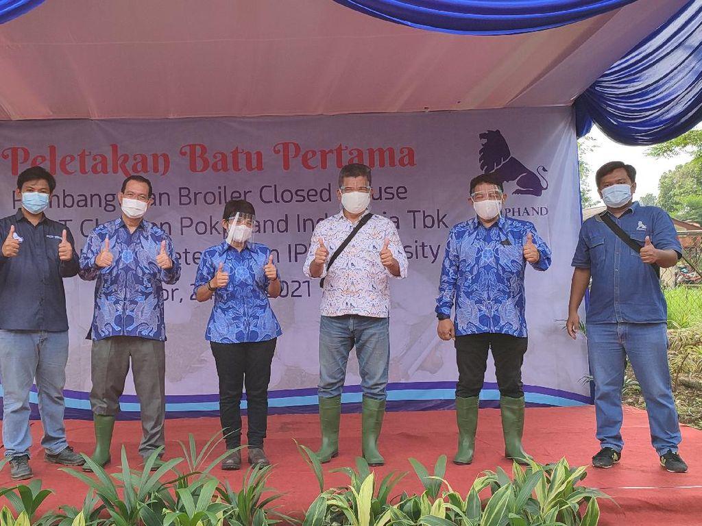 Charoen Pokphand Resmikan Peletakan Batu Pertama Kandang Ayam di IPB
