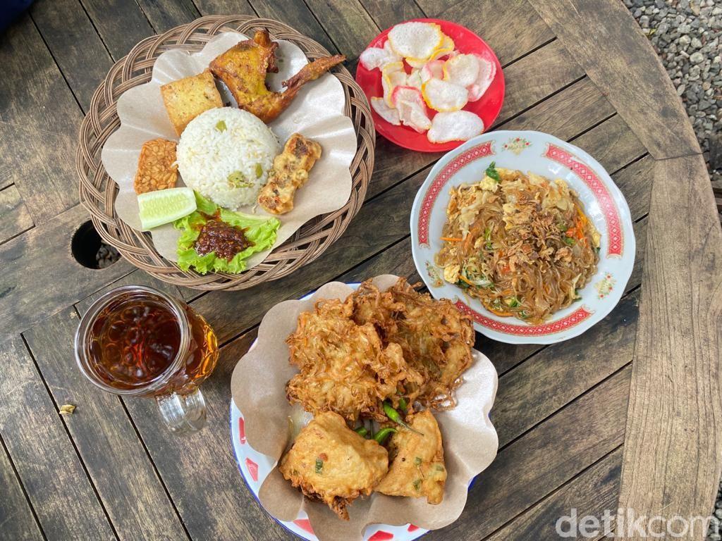 Joglo Nusantara: Makan Mi Lethek dan Nasi Liwet di Pinggir Situ Pengasinan