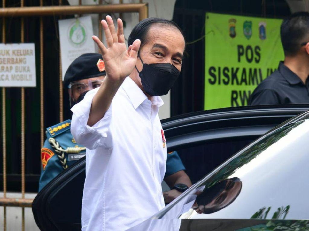 Polemik Gelar untuk Jokowi dari BEM UI dan Aliansi Mahasiswa UGM