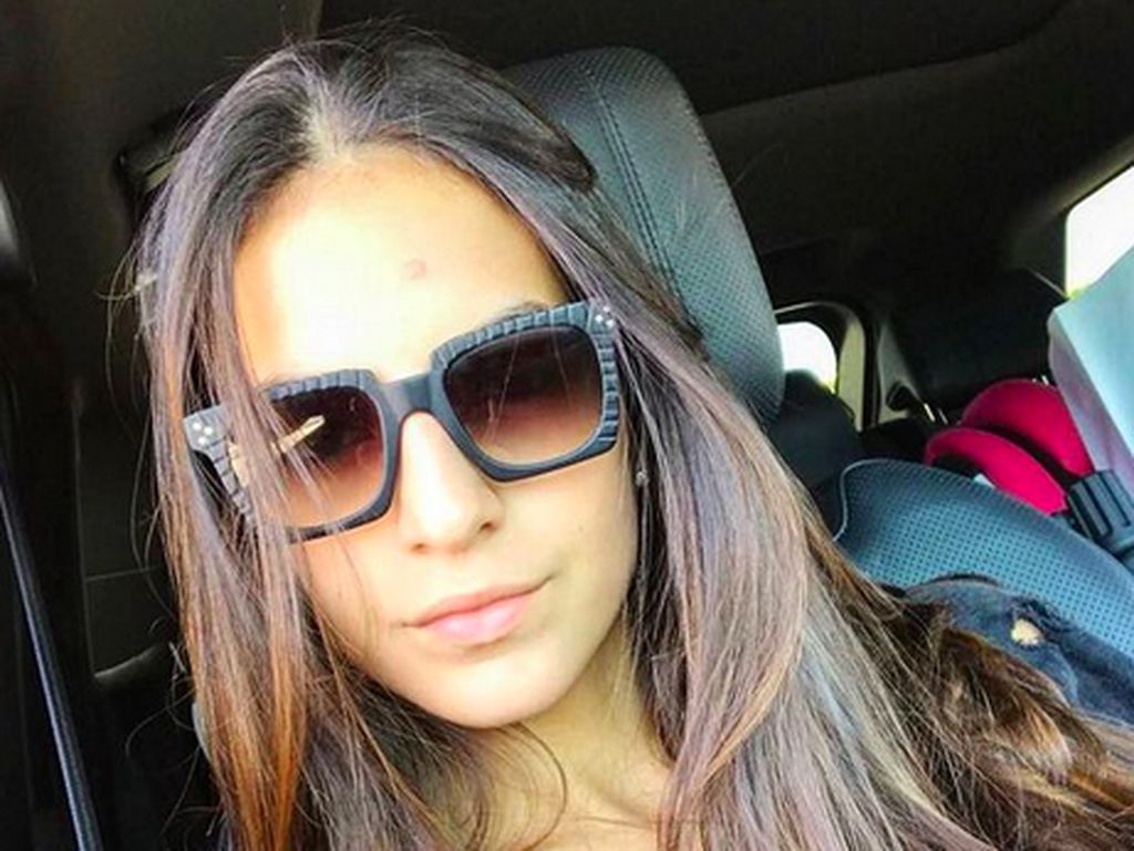 9 Potret Seksi Istri Alex Cordaz, Setia Dampingi Suami Balik ke Inter Milan