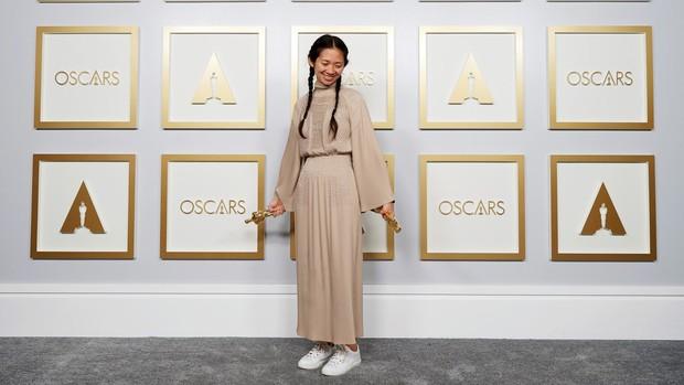 Chloe Zhao saat menghadiri ajang penghargaan Oscars