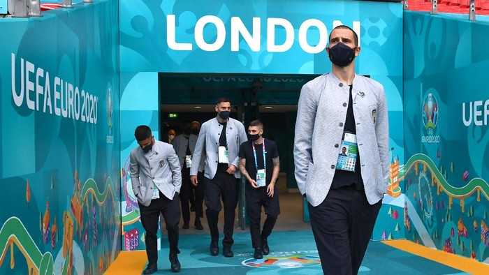LONDON, ENGLAND - JUNE 25: Leonardo Bonucci of Italy looks on during walk about ahead of the Euro 2020 group/Ro16/QF/SF/Final match between Italy and Austria at Wembley Stadium on June 25, 2021 in London, England. (Photo by Claudio Villa/Getty Images)