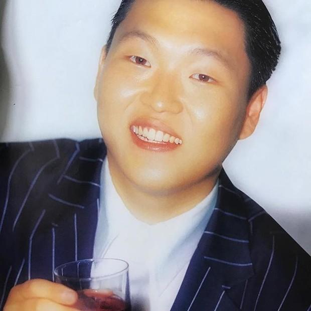 Foto Psy saat tahun 2001.