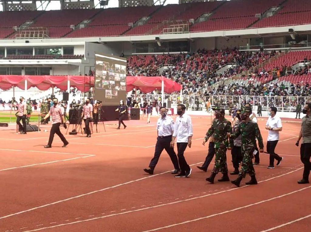 Didampingi Panglima-Kapolri-Anies, Jokowi Tinjau Vaksinasi Massal di GBK