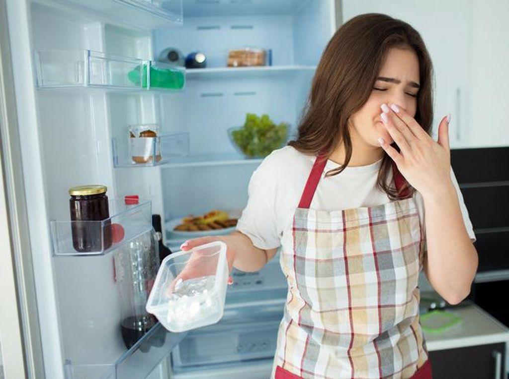 Kamu Merasa Makanan Rasa Kulkas? Ternyata Ini Penyebabnya