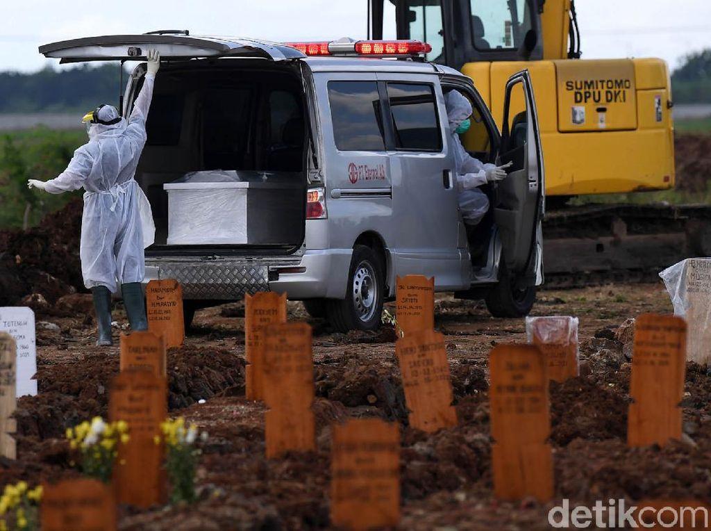 Data Pemakaman Jenazah Prosedur COVID-19 di DKI: Tertinggi 187 Sehari