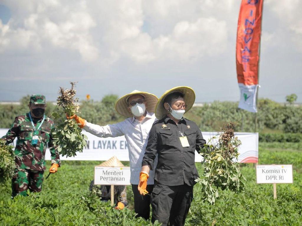 Mentan Resmikan Instalasi Penelitian Pertanian di Probolinggo