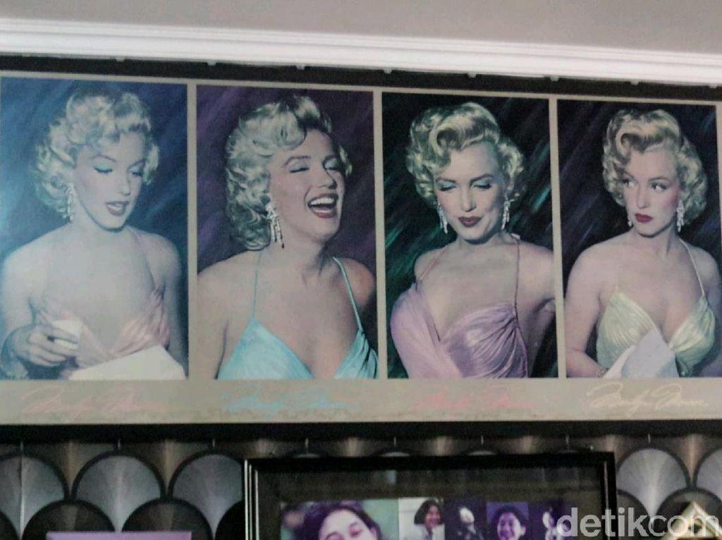 Melihat Kamar Nike Ardilla yang Dipenuhi Foto Marilyn Monroe